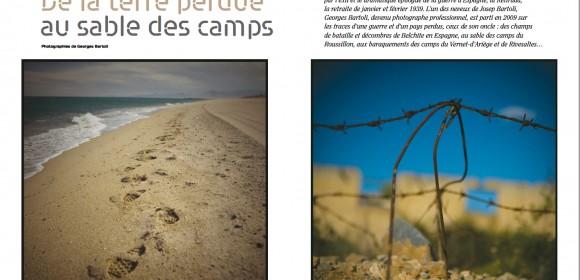 Photo: De la terre perdue au sable des camps